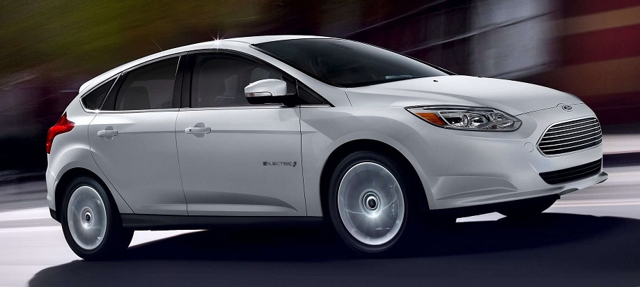 ford focus elettrica bianca