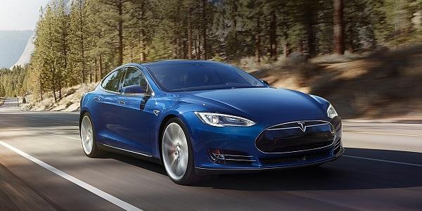 Tesla Model S blu