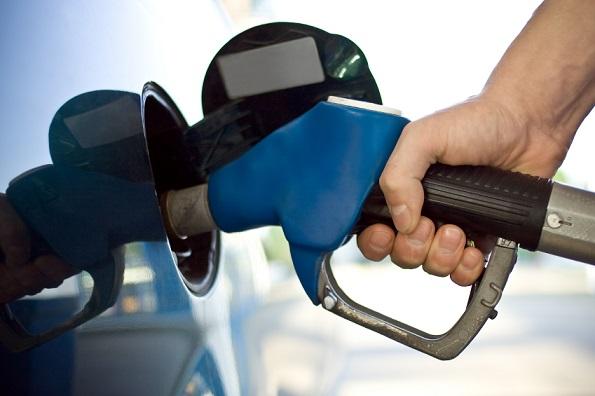 ritorno benzina - pompa di benzina