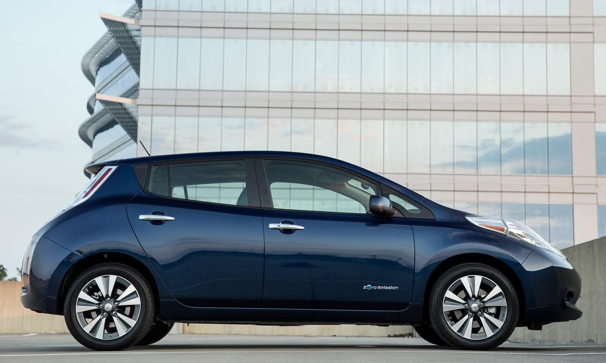 Nissan LEAF 2016 blu scuro