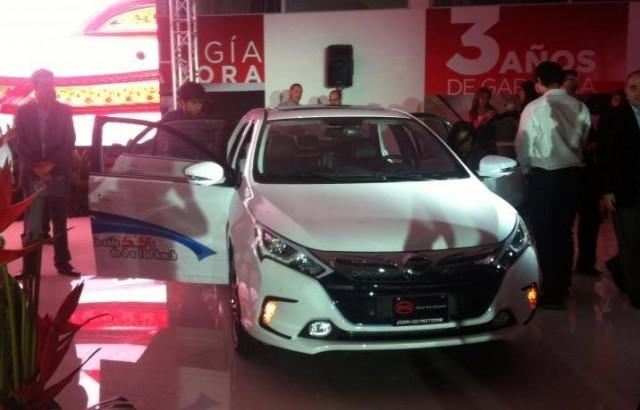 auto elettriche più vendute - BYD qin plug in hybrid in showroom in costa rica