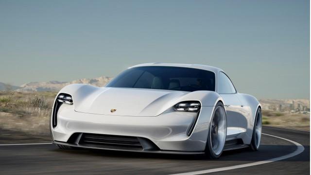 Germania - auto elettrica Porsche Mission E Concept