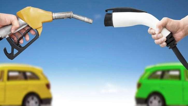 stoccaggio intemedio di energia - ricarica elettrica e rifornimento benzina