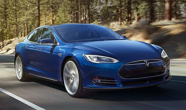 autonomia auto elettriche - Tesla Model 3
