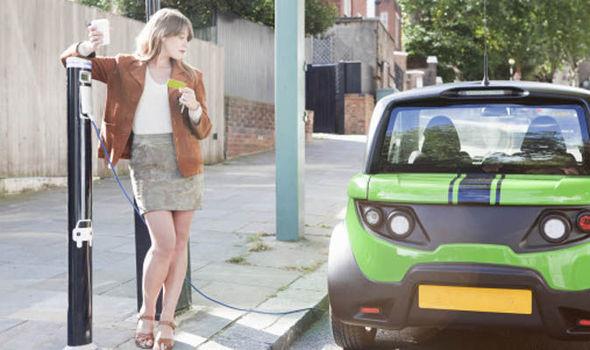 auto elettriche e giovani - Tazzari EV