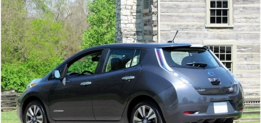 auto elettrica nissan leaf