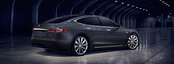 evoluzione di Tesla Model S - Tesla Model S Grigio Scuro