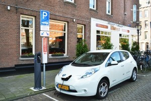boom dell'auto elettrica - Nissan LEAF