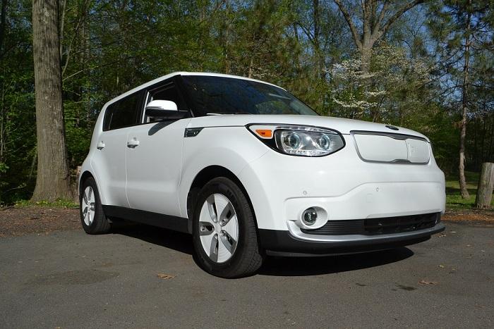 viaggio con l'auto elettrica Kia Soul EV bianca