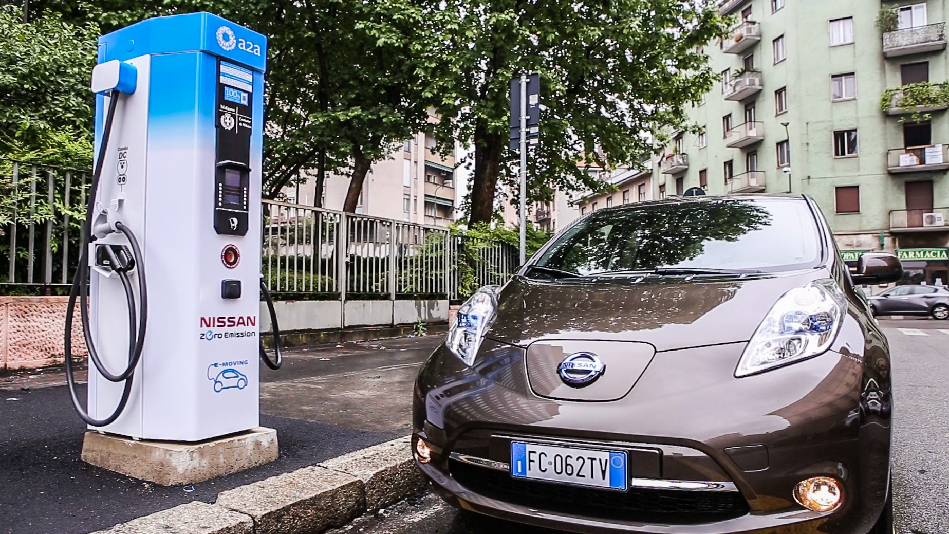 Nissan elettrizza Milano Ricarica LEAF