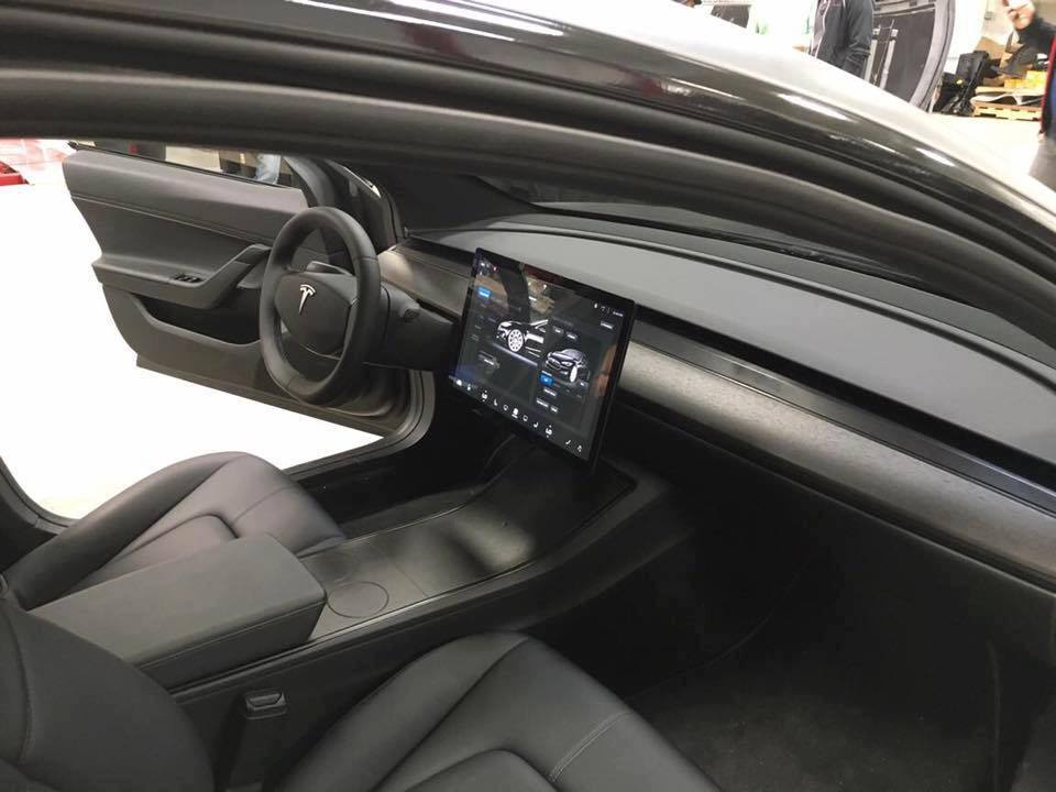 Tesla Model 3 - foto ufficiale