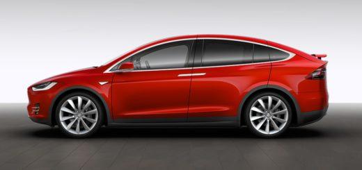 Tesla Model X rossa