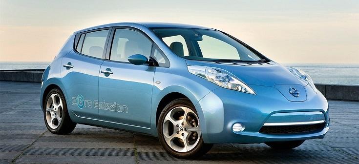 auto elettriche - nissan leaf celeste