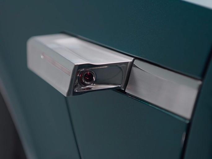 auto elettrica Audi - specchietti retrovisori digitali