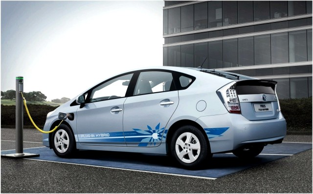 auto plug-in più venduta - Toyota Prius Plug-in Hybrid