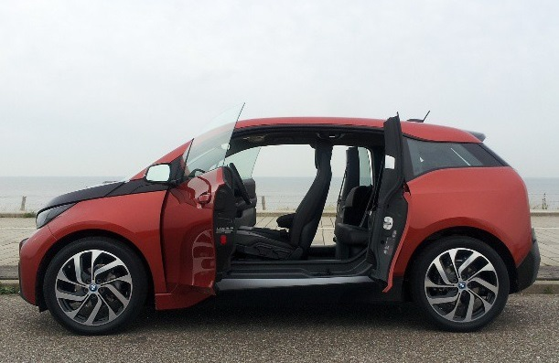 Toyota Prius plug-in - BMW i3