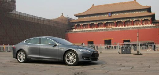 2014-tesla-model-s-in-china_100464978_m