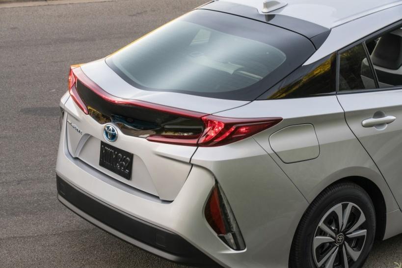 Toyota Prius plug-in - posteriore