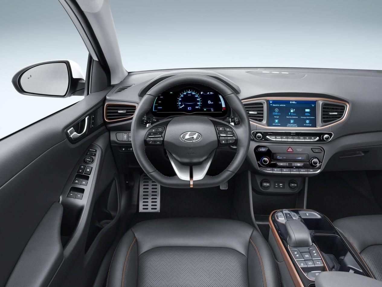 Prezzo Hyundai Ioniq elettrica - interni