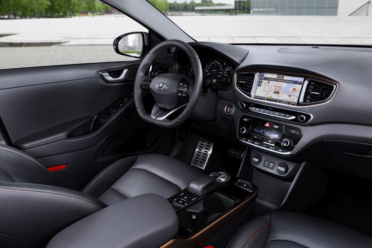 veicolo più green, interni Hyundai Ioniq EV