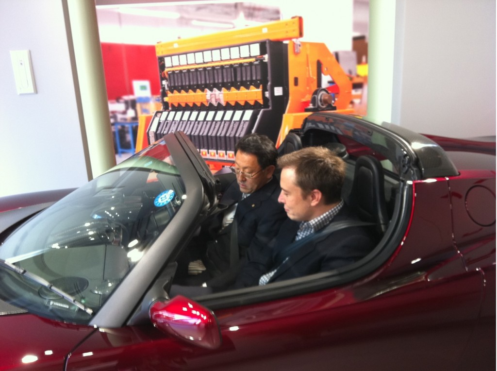 Akio Toyoda ed Elon Musk
